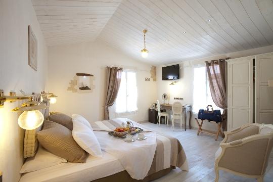 chambres d 39 hotes hote des portes les portes en r destination ile de r. Black Bedroom Furniture Sets. Home Design Ideas