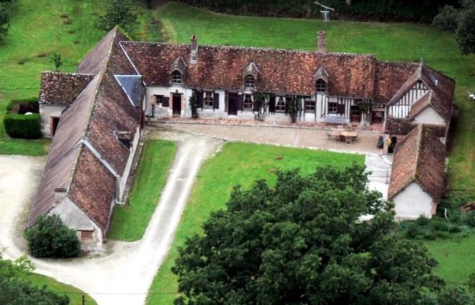 Le rouvre cour cheverny office de tourisme blois for Chambre hote blois