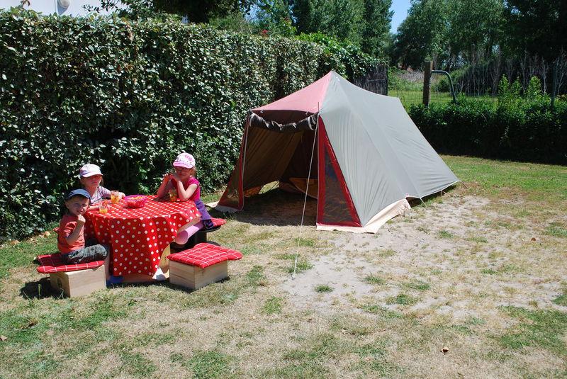 Camping DE LA MENARDIERE