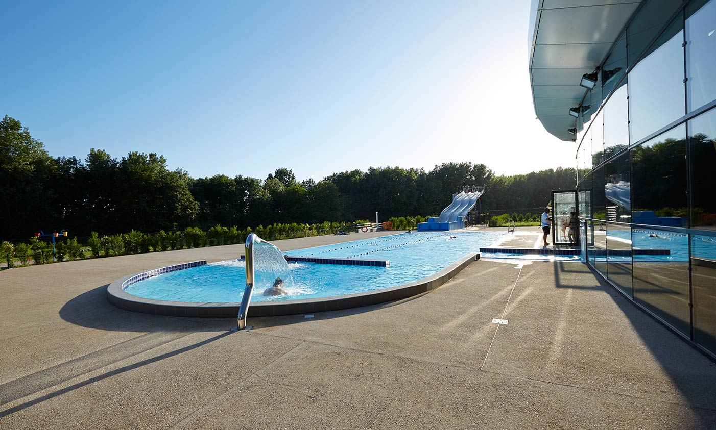 Centre aquatique agl 39 eau blois office de tourisme for Piscine agl eau blois