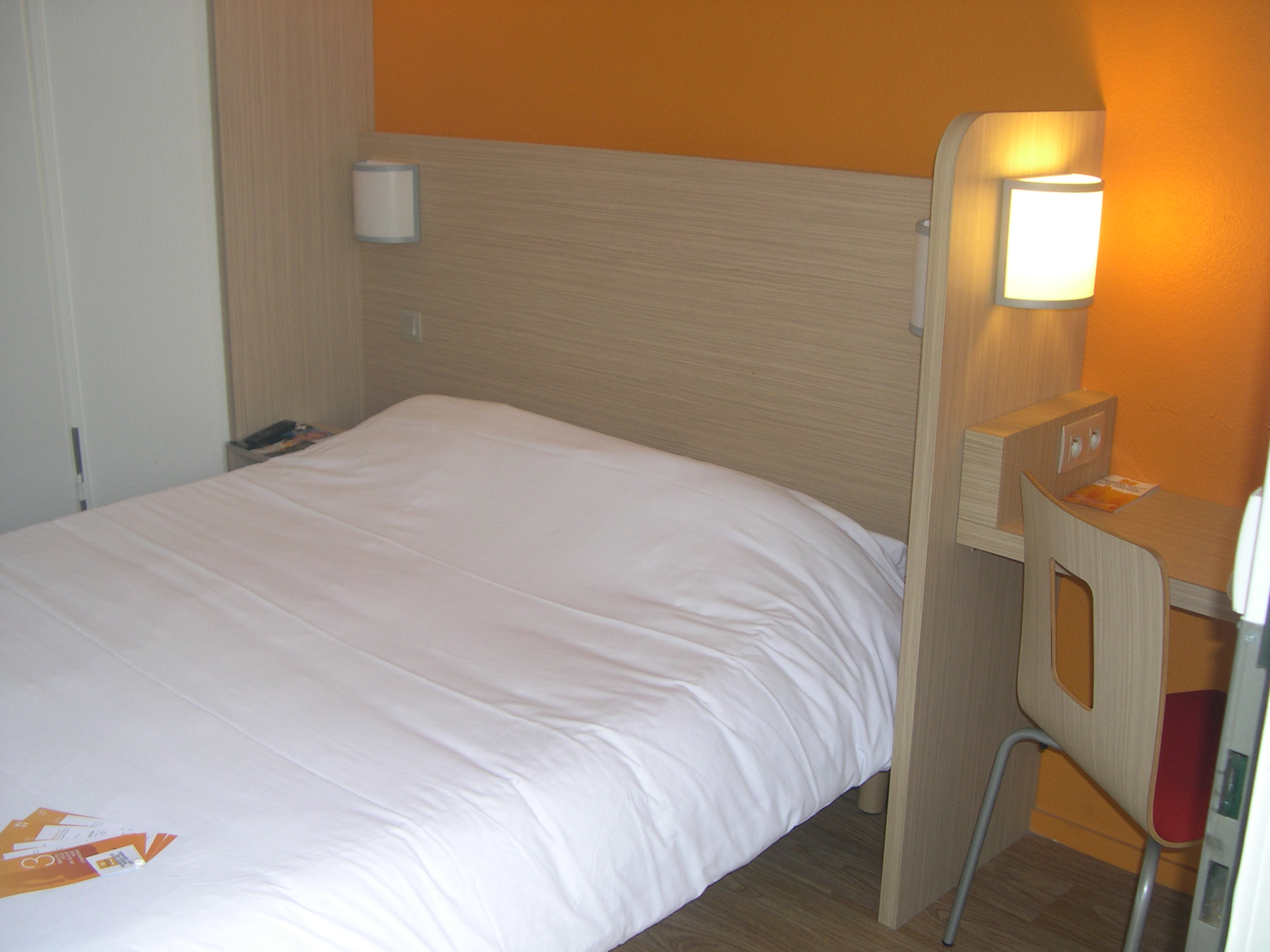 h tels 27. Black Bedroom Furniture Sets. Home Design Ideas