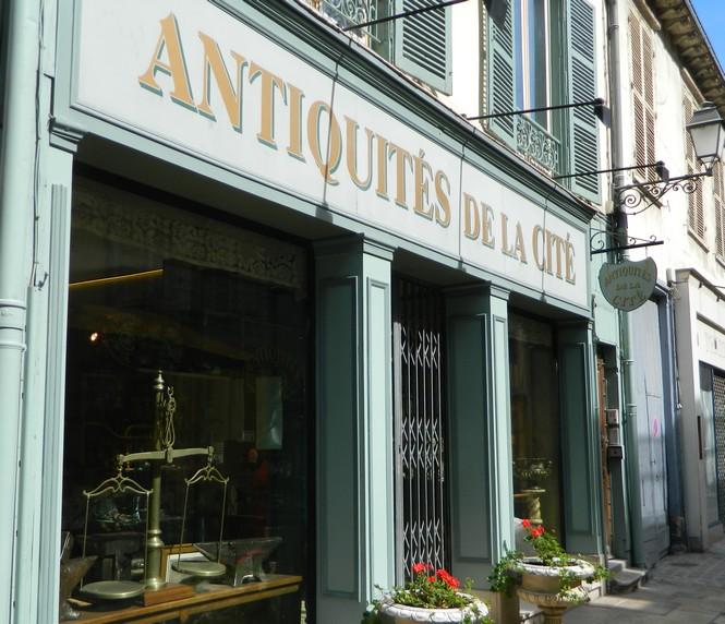 Antiquité / Brocante / Dépôt vente
