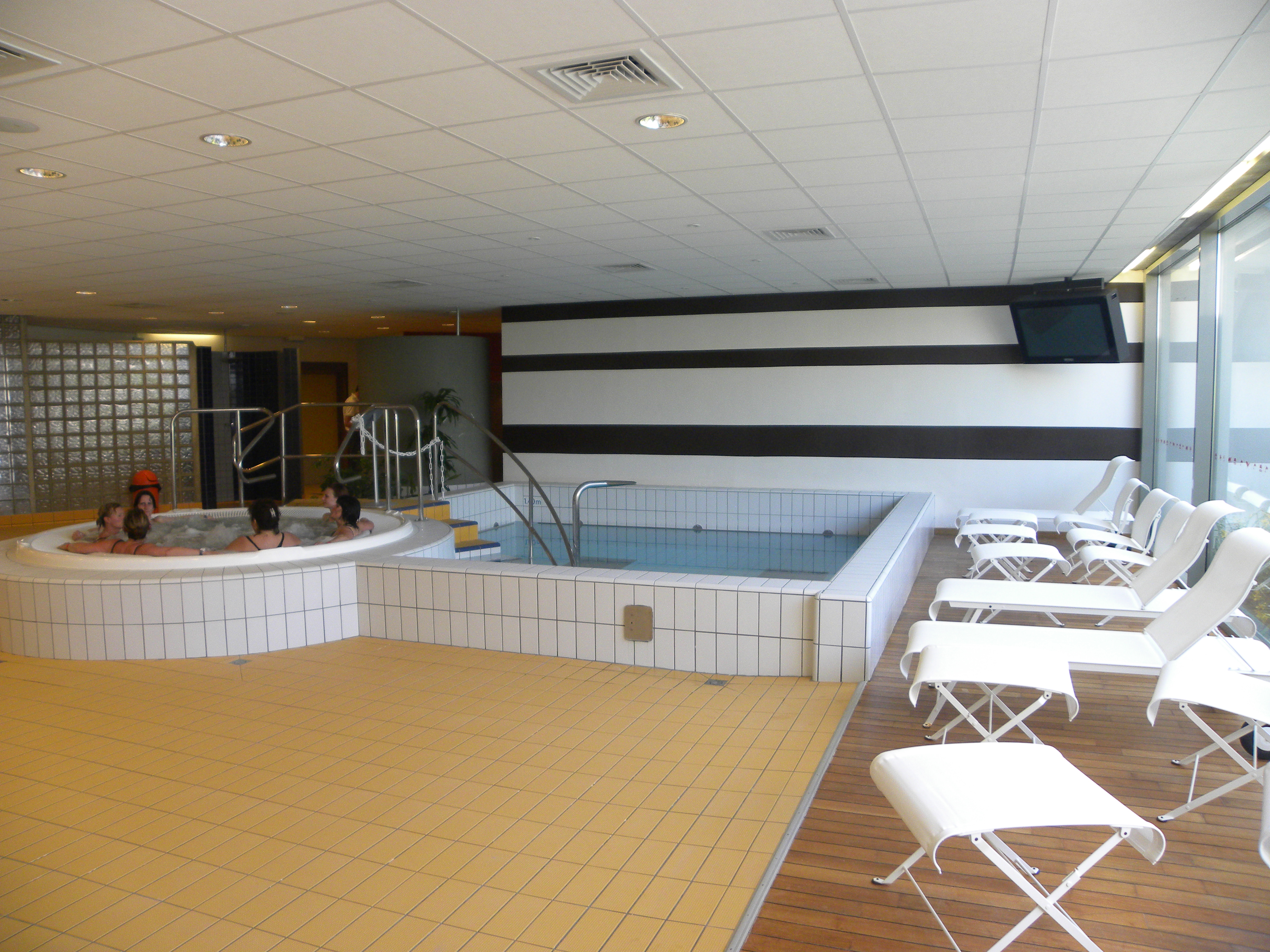 Elegant Piscine Patinoire Iceo   Swimming, Skating, Course, Unsupervised  Activities, Introductory Course   Calais