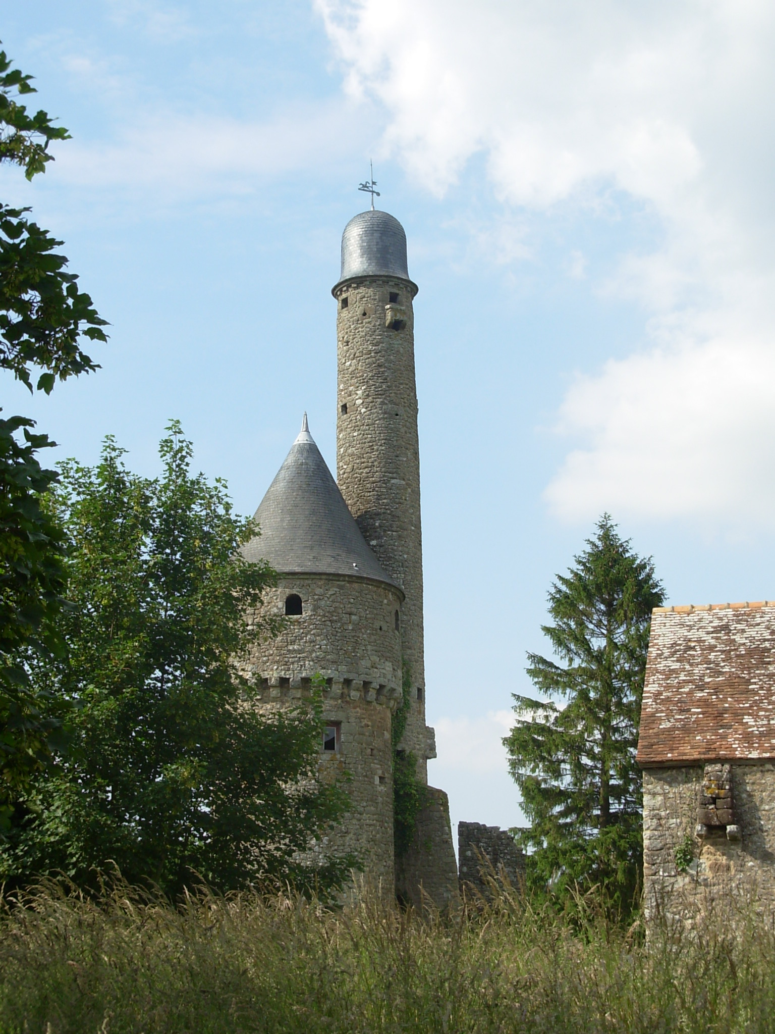 Tour de Bonvouloir