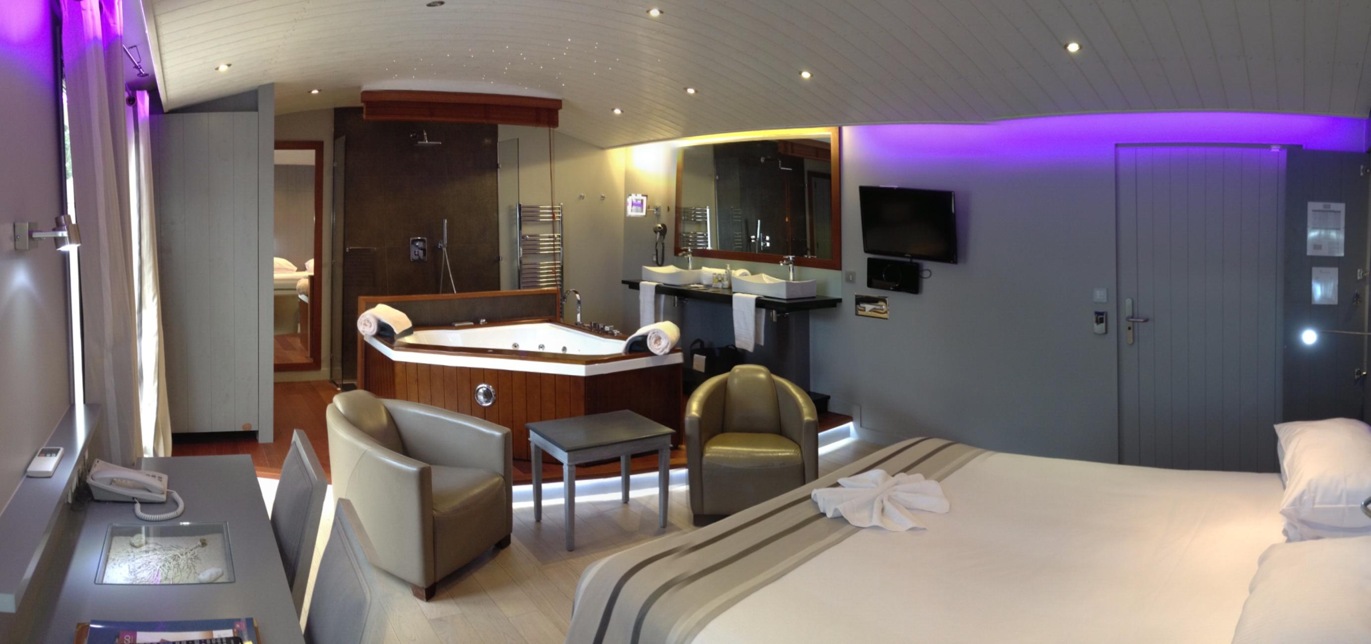 élégant Hotel Avec Jacuzzi Dans La Chambre Ile De France – Ravizh